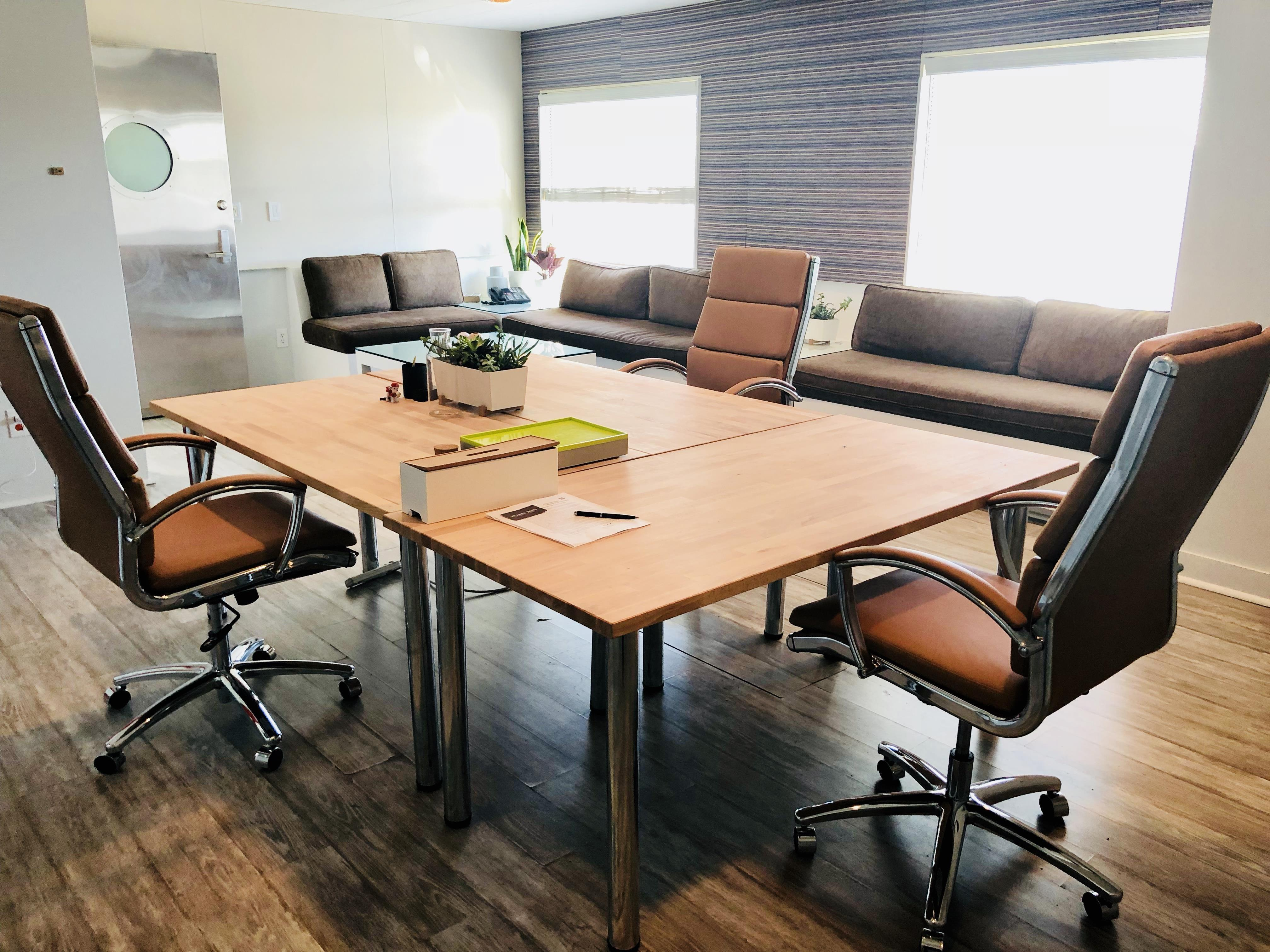 Beach House CoWork - Office for 2-4 Person
