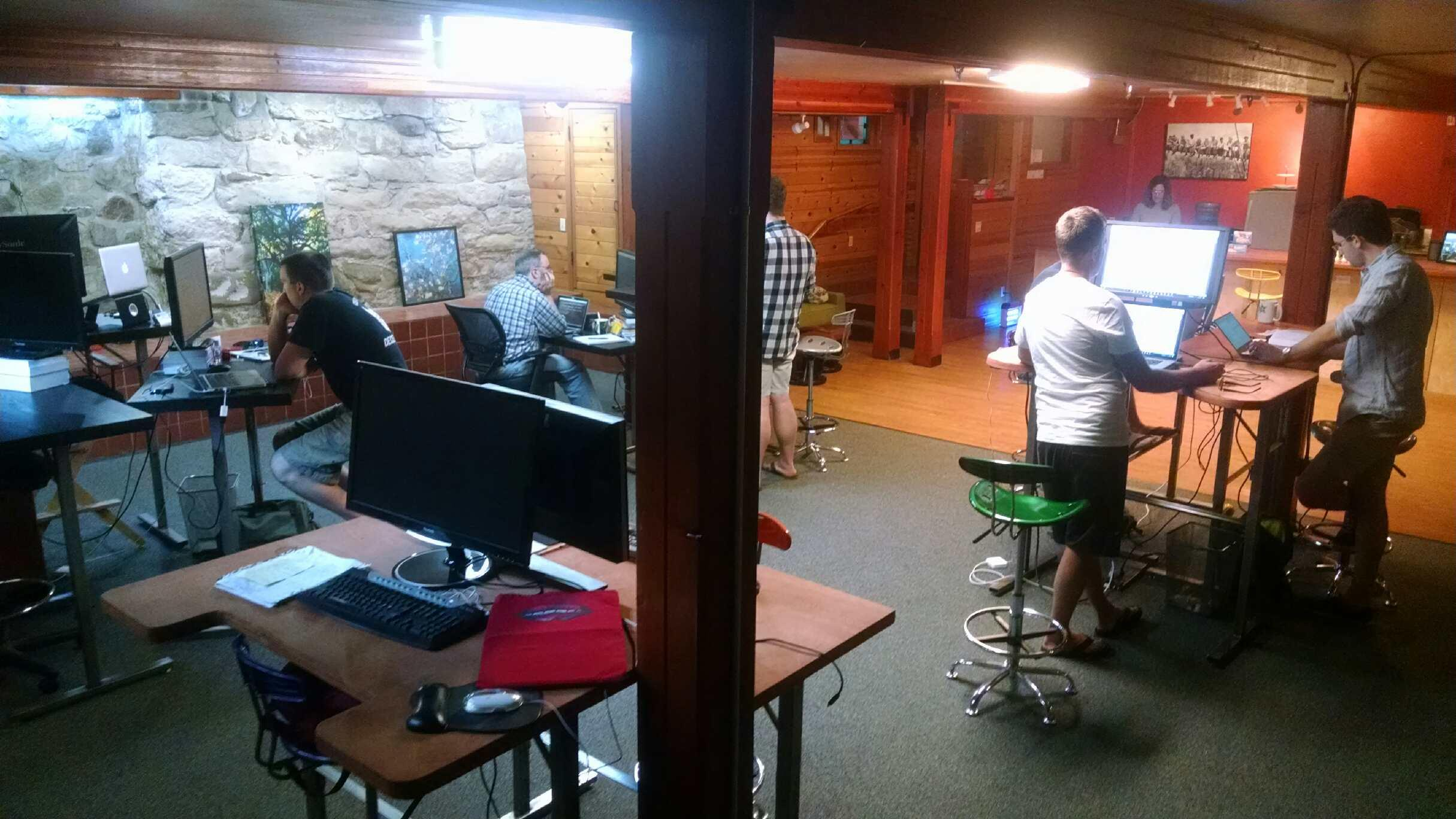 Rogue Coworks - Workstation - Downtown Ashland