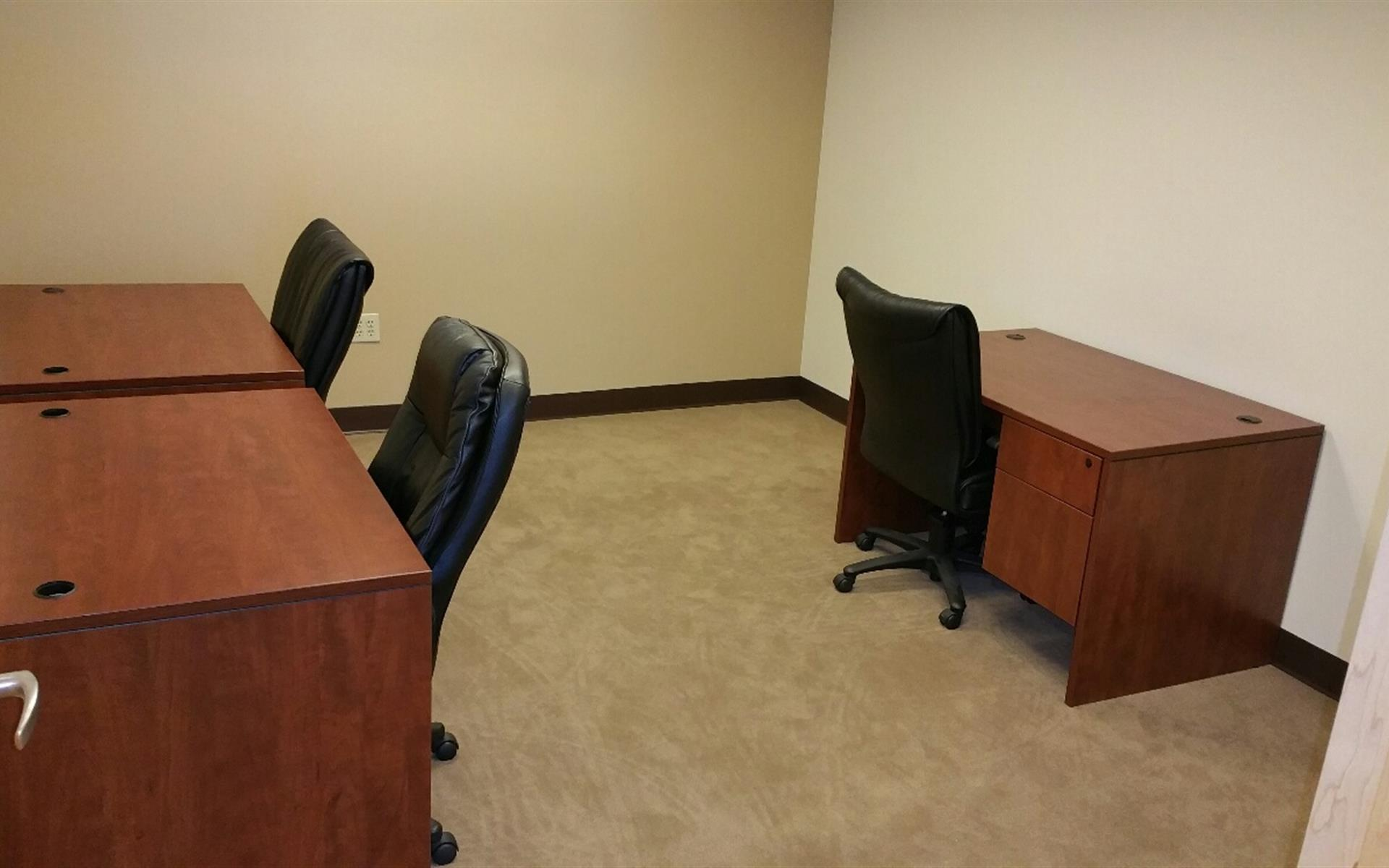 (SEA) Seattle Downtown - Cost Effective Office for 3 people