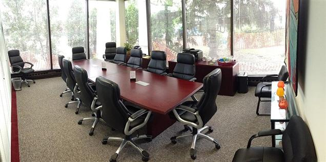 Lake Cook Reporting and Videoconferencing - 12-Person Glass Conference Room
