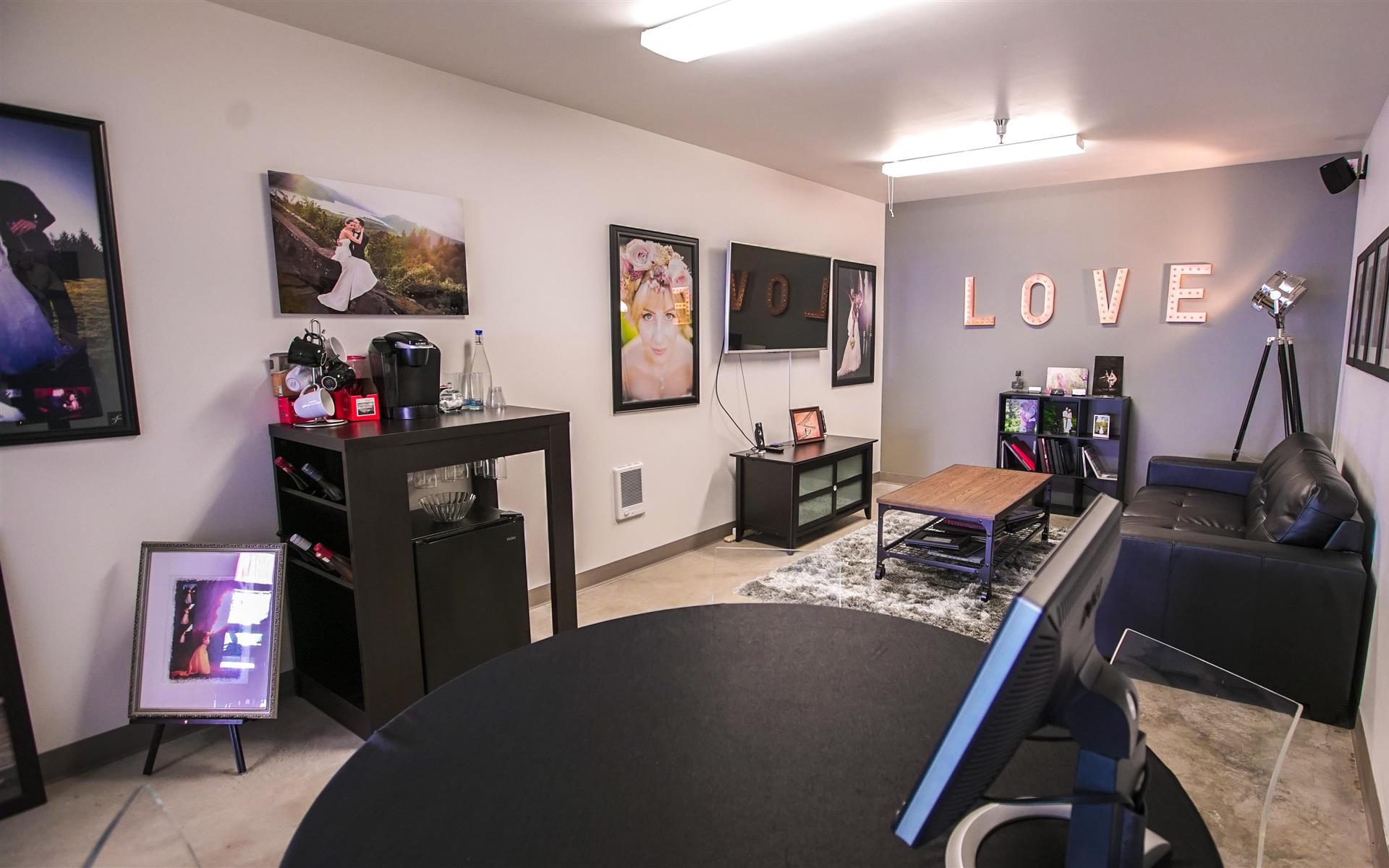 Vaughn Studio - Meeting Room