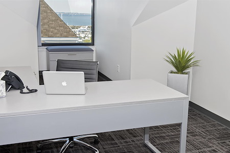 Highland-March Workspaces at Marina Bay - Day Office