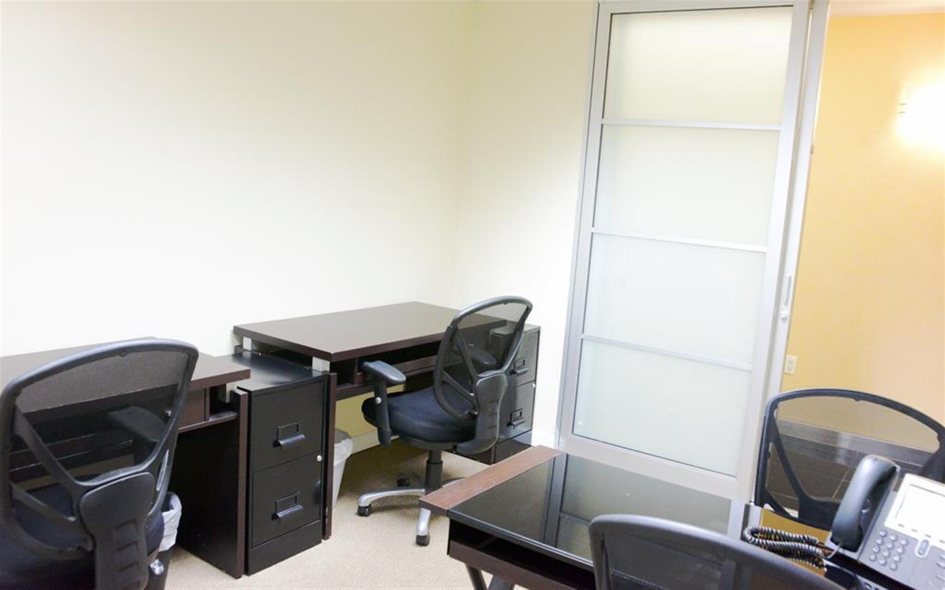 Jay Suites Financial District - Private Window Office