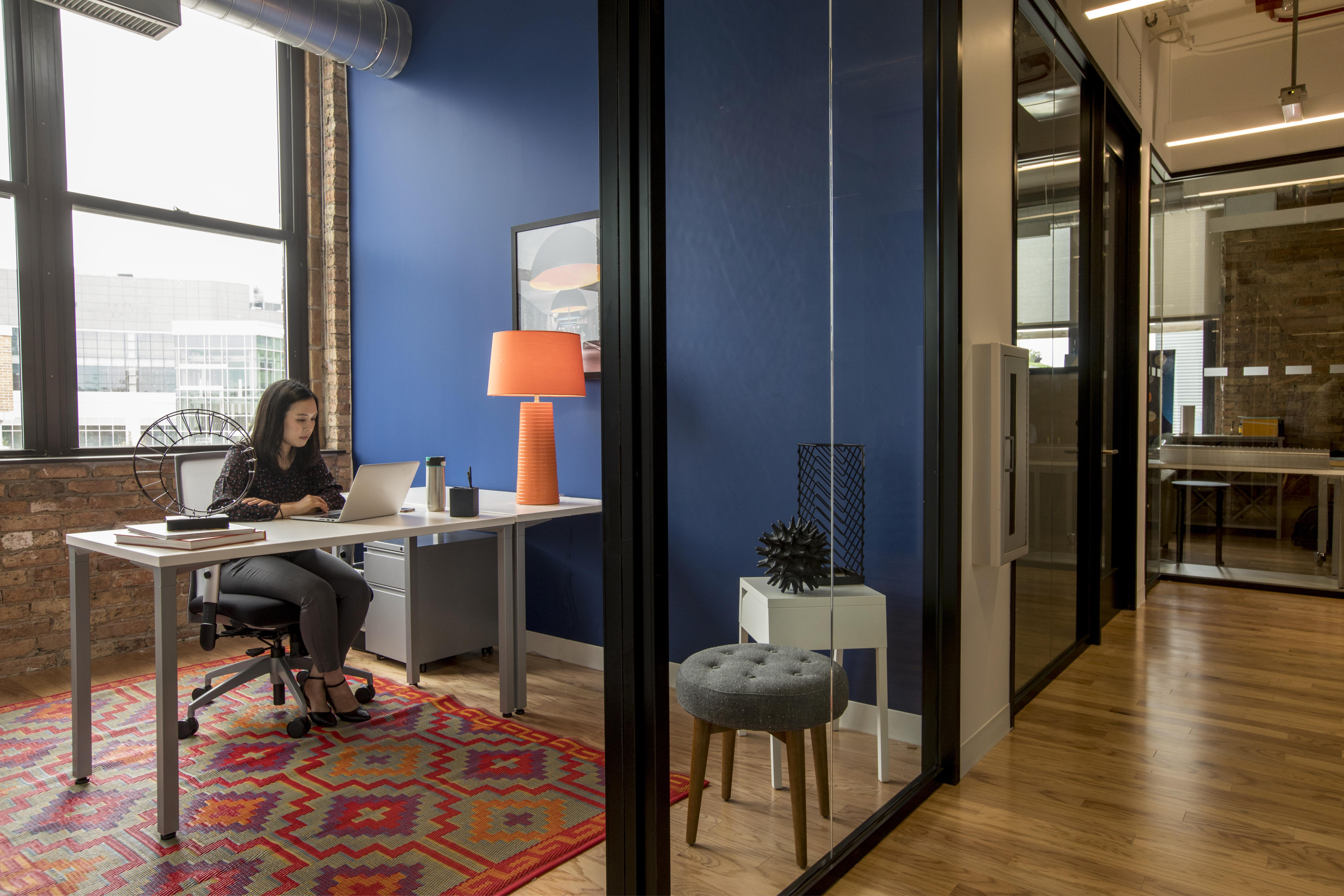 Spaces Near North Side - Day Office