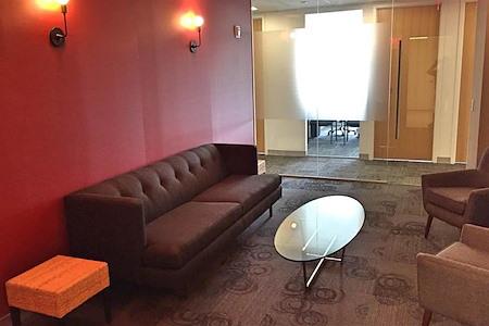 Corporate Suites: 2 Park Avenue - 6 Person Lounge