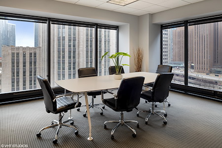 BeOffice | URBAN WORKSPACES - Corner Boardroom