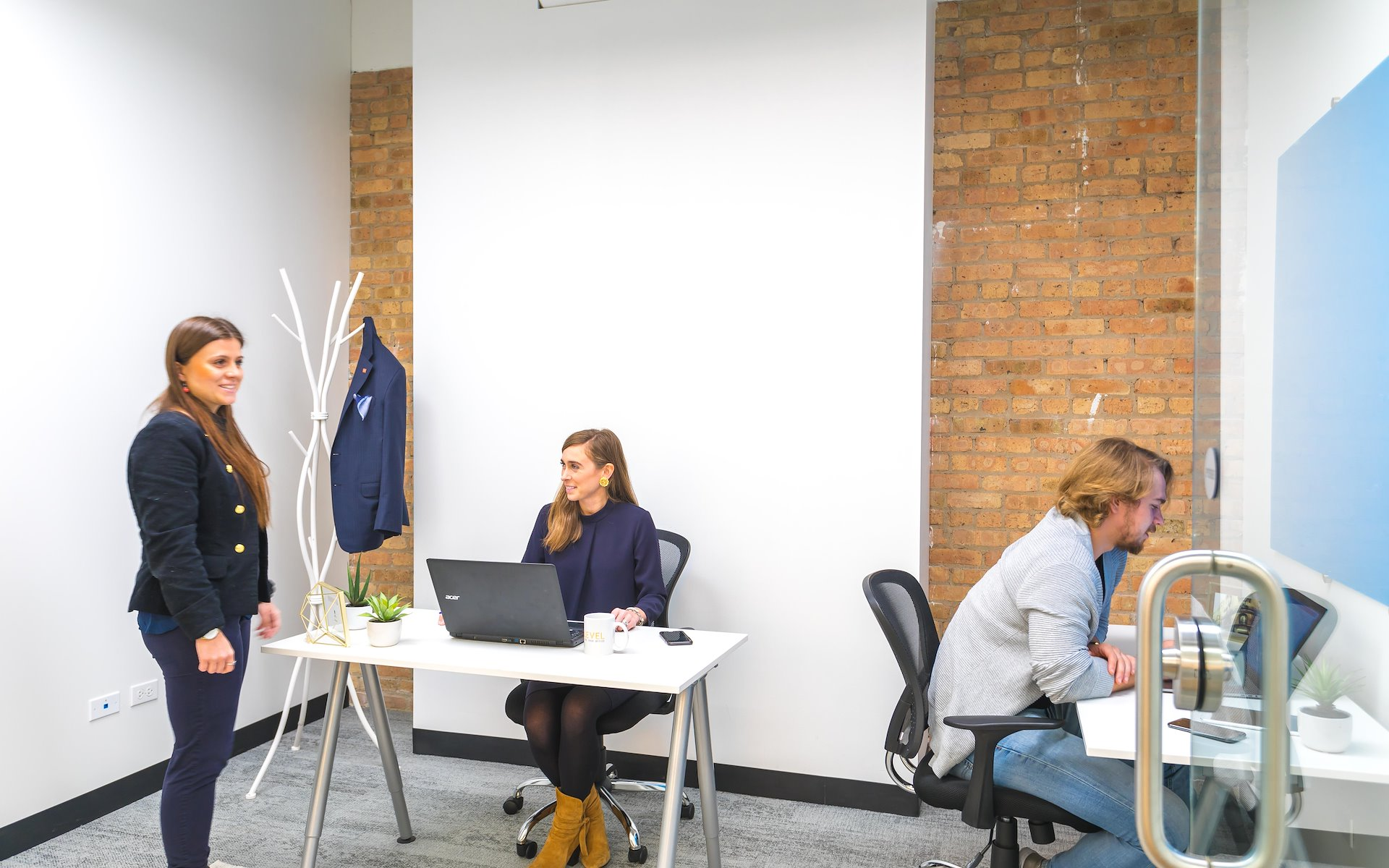 Novel Coworking - River North - 2-4 Person Private Office