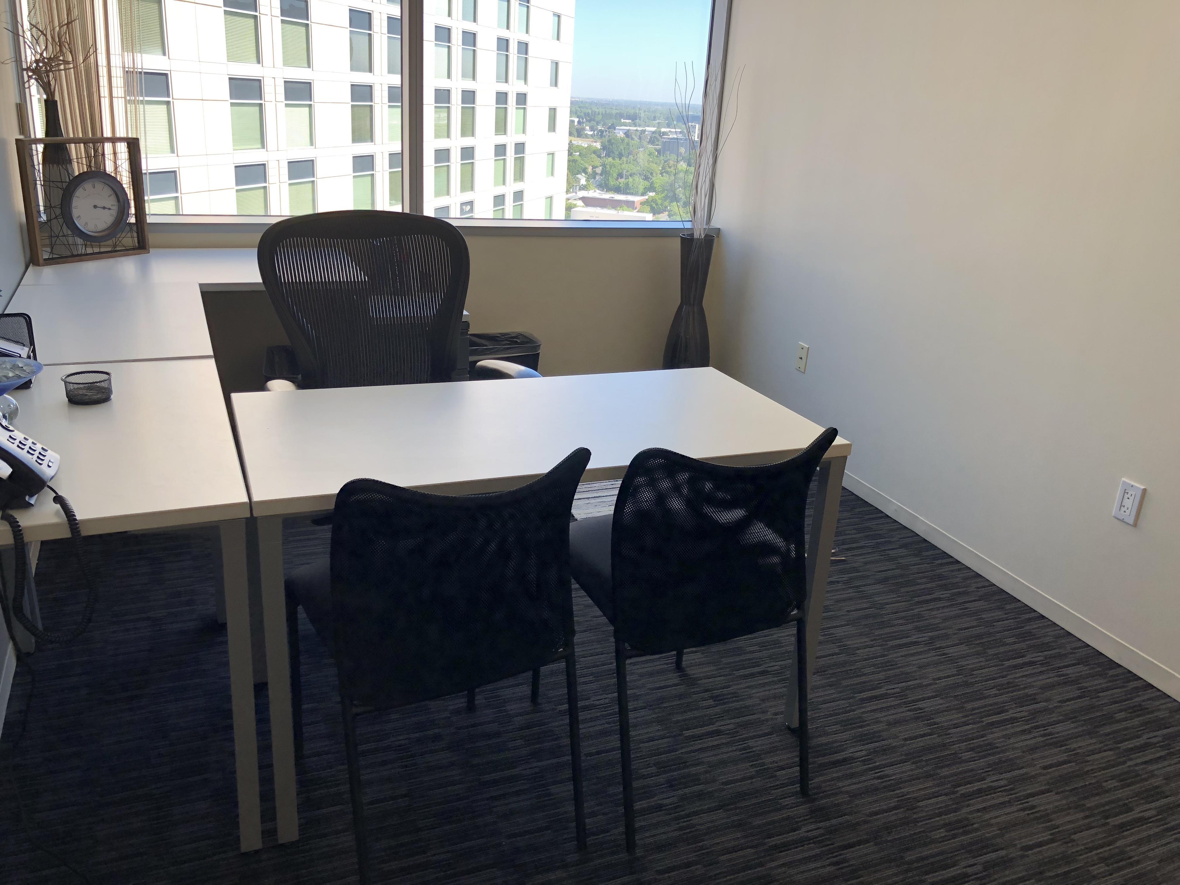 Regus | Esquire Plaza - Office 1703