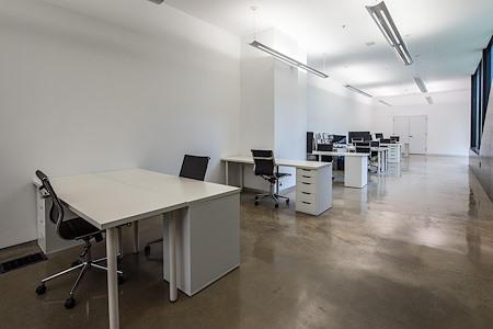 I/O SPACES - Dedicated Desk