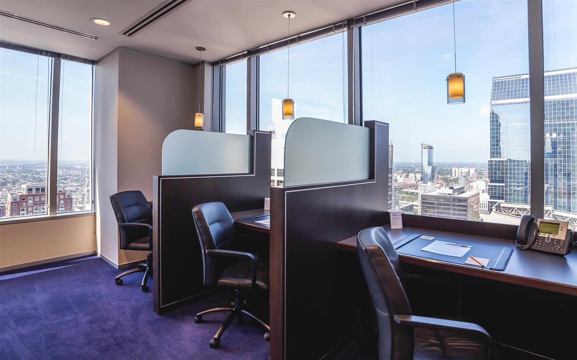 Servcorp - Philadelphia BNY Mellon Center - Coworking Lounge Workstation 4