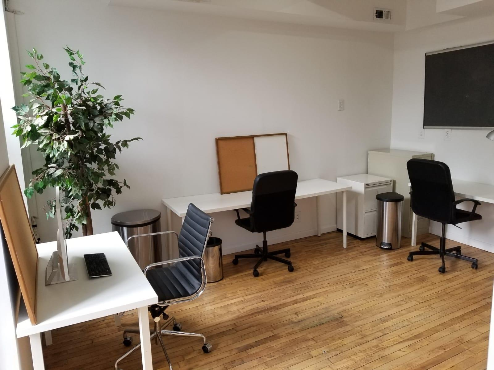 Conquest - Creative office 2 exposure sublet