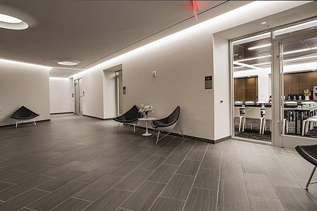 Courtyard by Marriott Long Island City/ Manhattan View - Astoria Boardroom