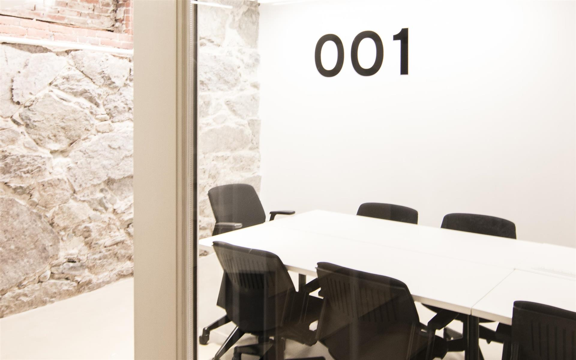 The Village Works - Meeting Room 001