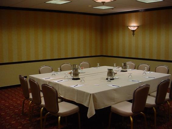 DoubleTree by Hilton Lisle Naperville - Conference Room IV
