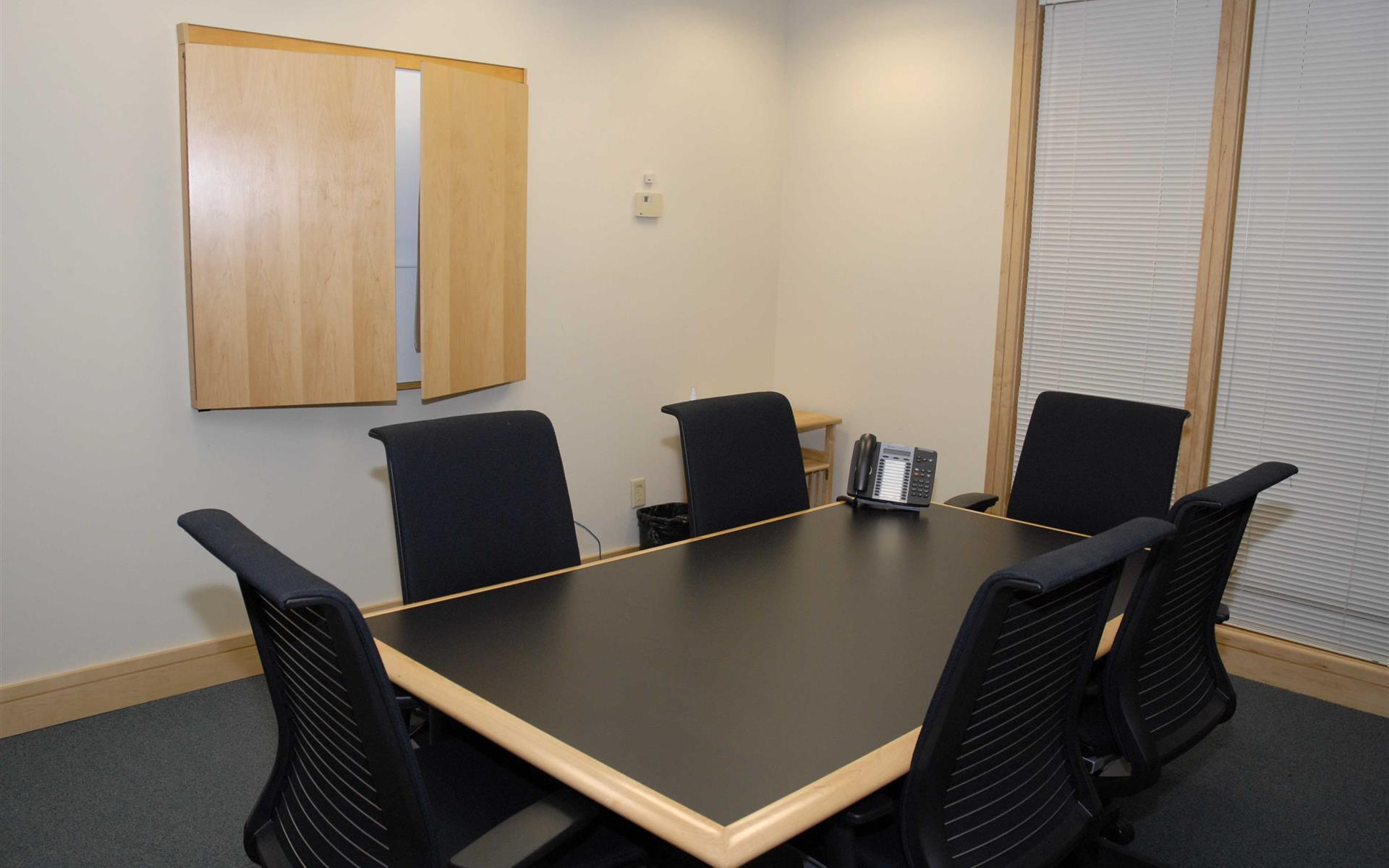Intelligent Office Boulder - Medium Conference Room (Up)