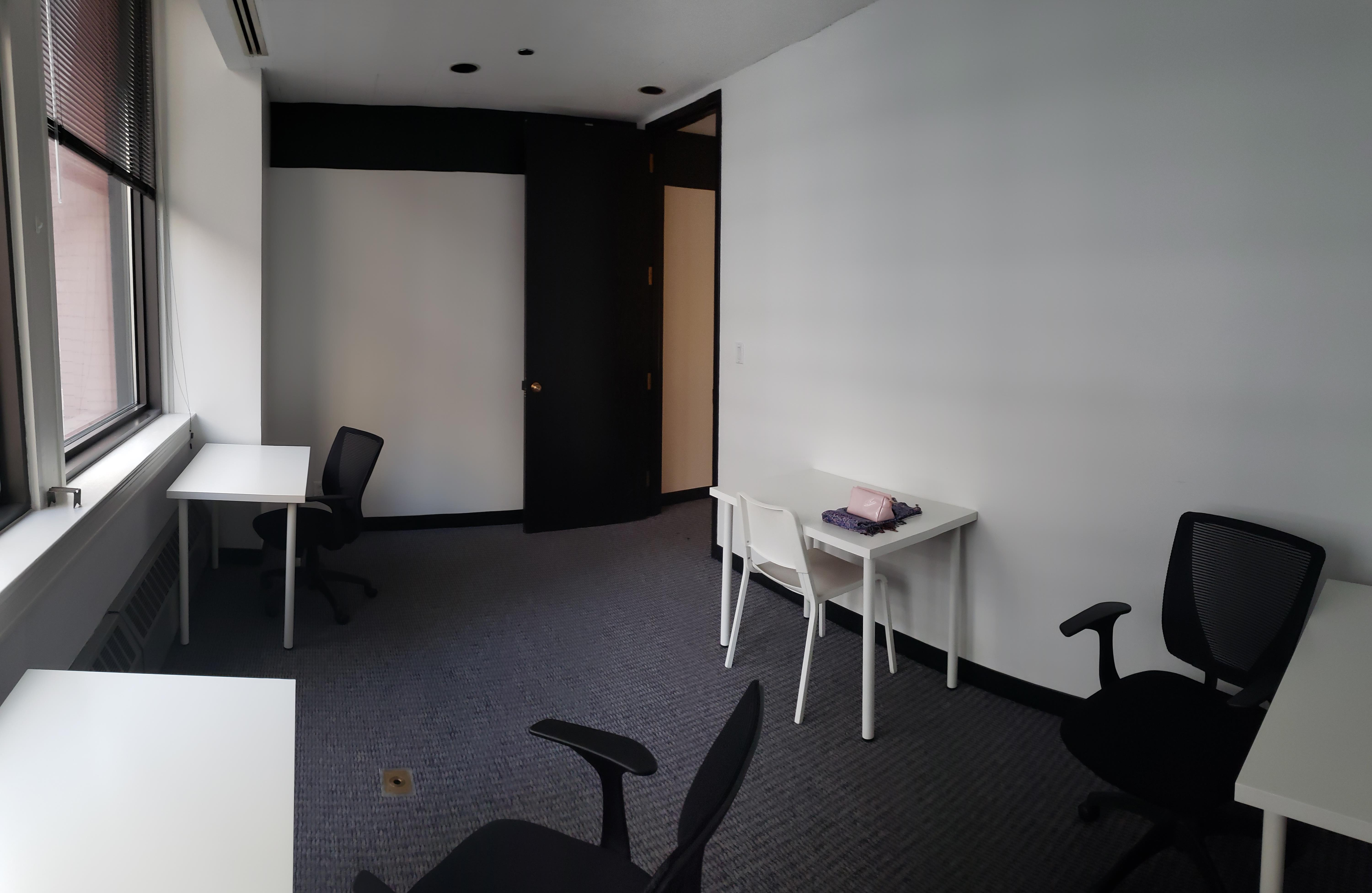 Delphi Group US Inc. - Office Suite 1