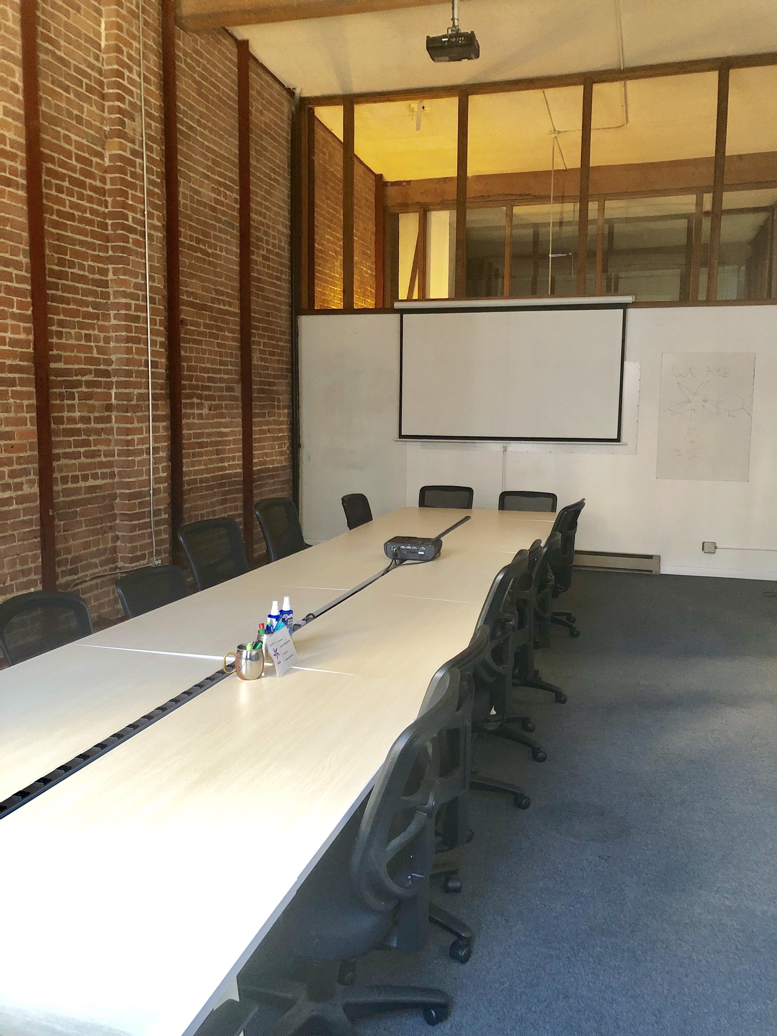 Starfish Mission - Blockchain Coworking, Industry Hub - Spacious Board/Workshop Room