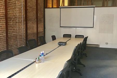 Starfish Mission - Blockchain Coworking, Industry Hub - Spacious Board/Workshop Room
