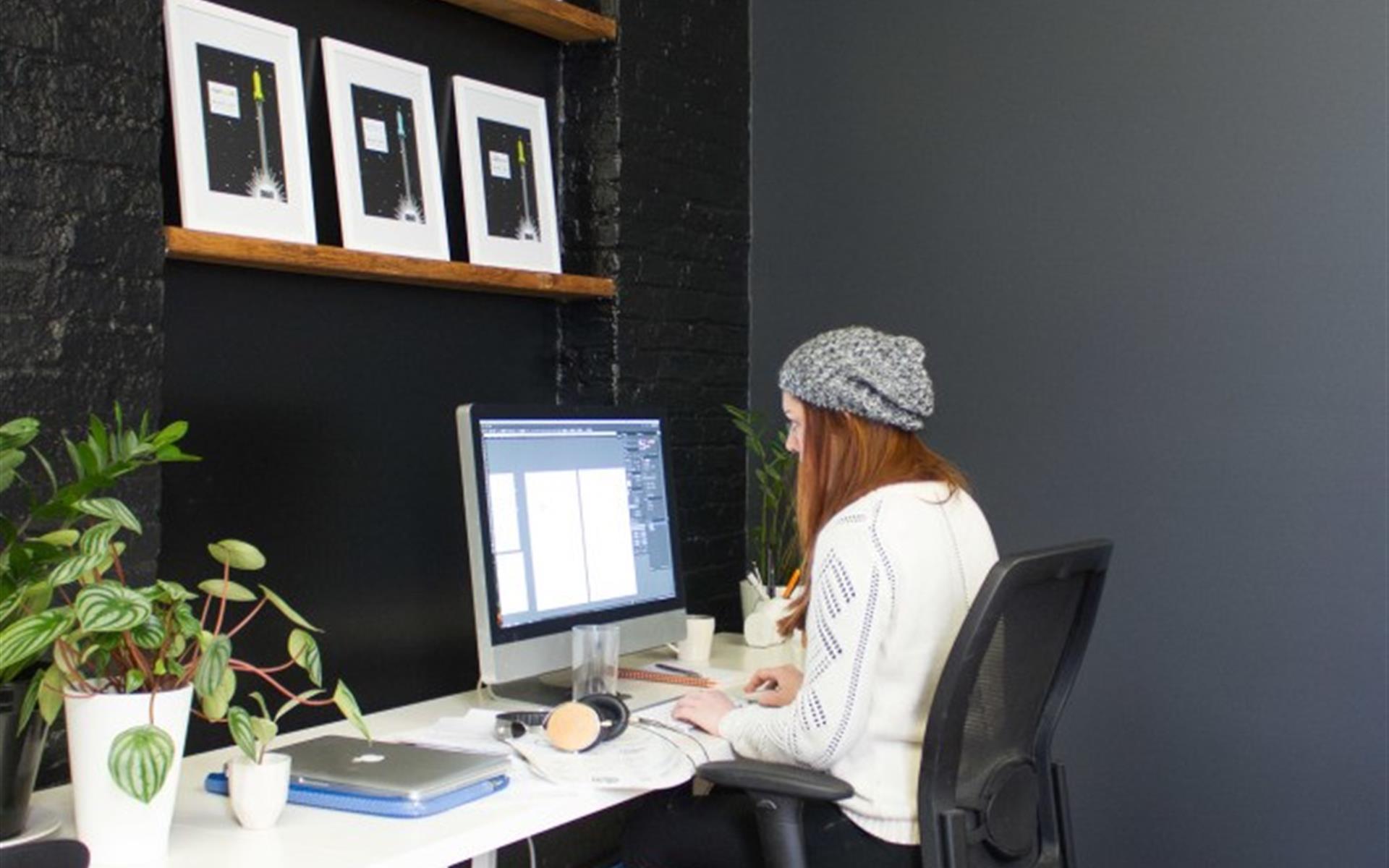 Perfect office location Williamsburg - Open Desk 1