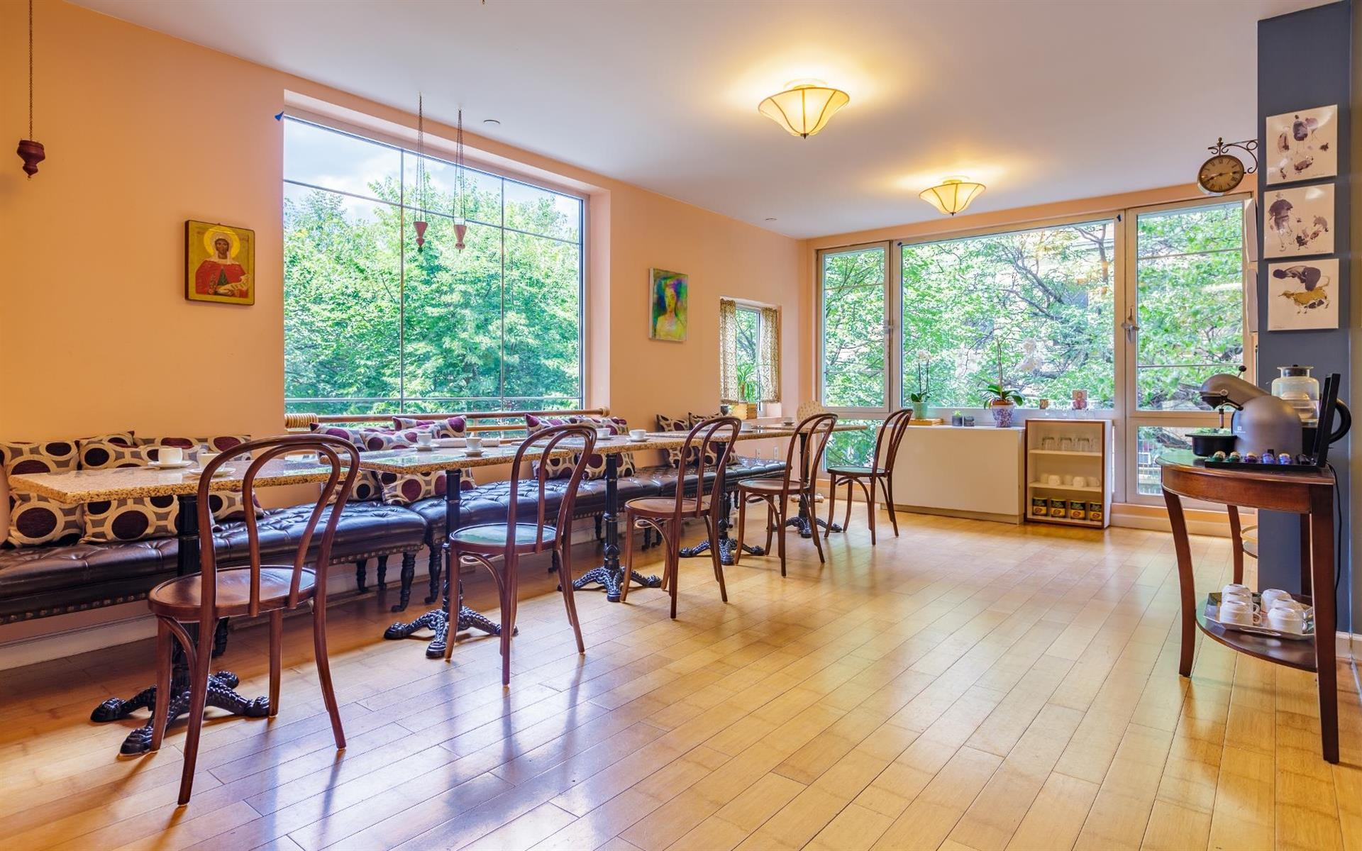 Cafe Victoria - Meetings and Events - Cafe Victoria