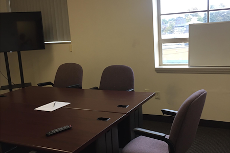 Pearl Street Business Center in Metuchen, NJ - Conference Room - Suite 208