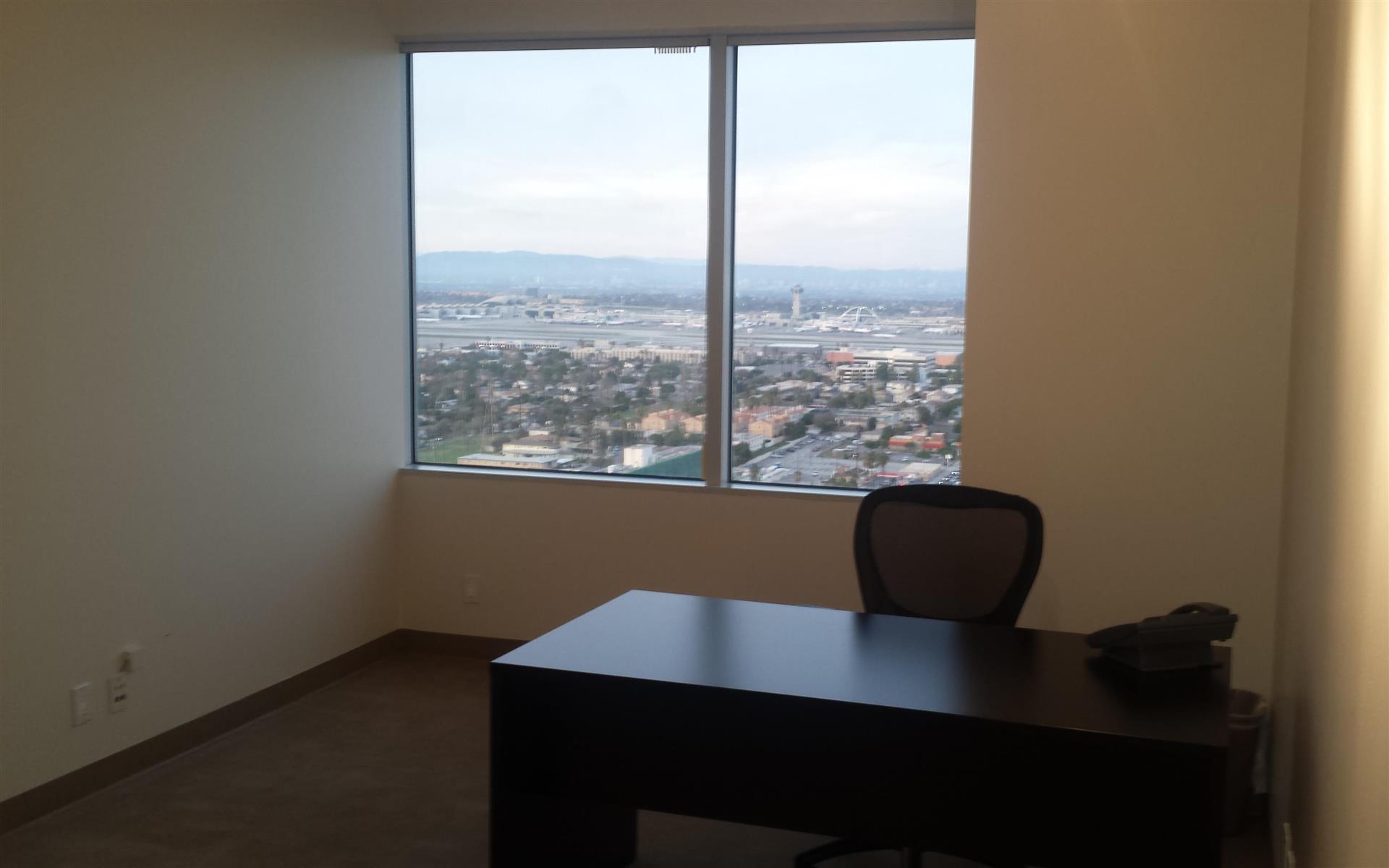(ELS) El Segundo - Exterior Office