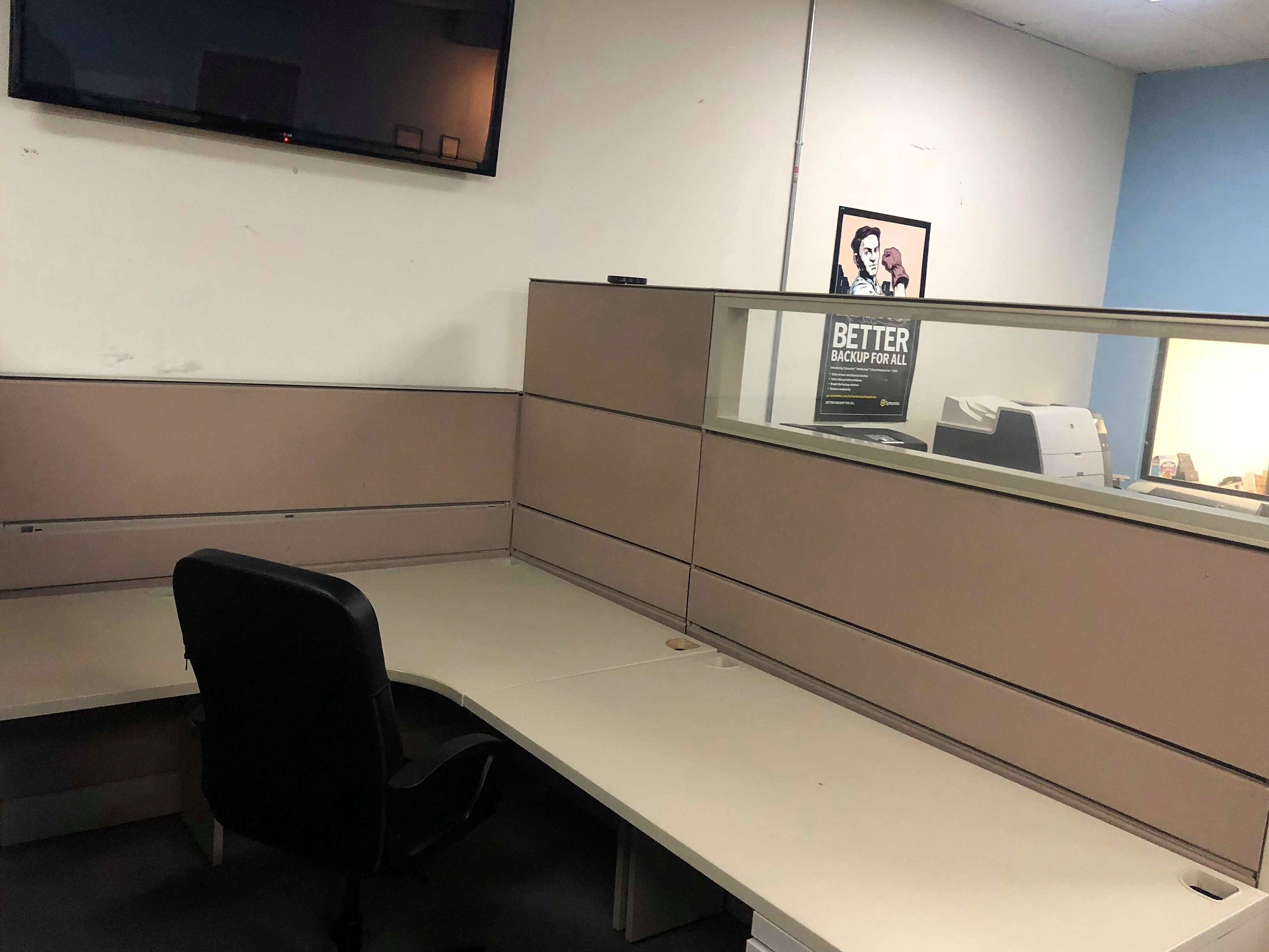 SPOC Space - Dedicated desk 4