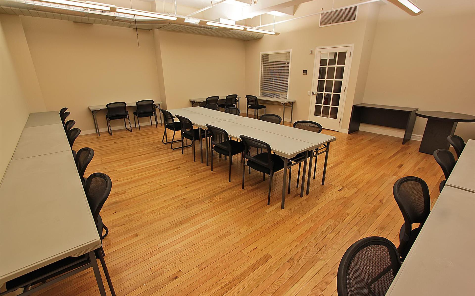 Select Office Suites - 1115 Broadway Flatiron NYC - 15 person team room