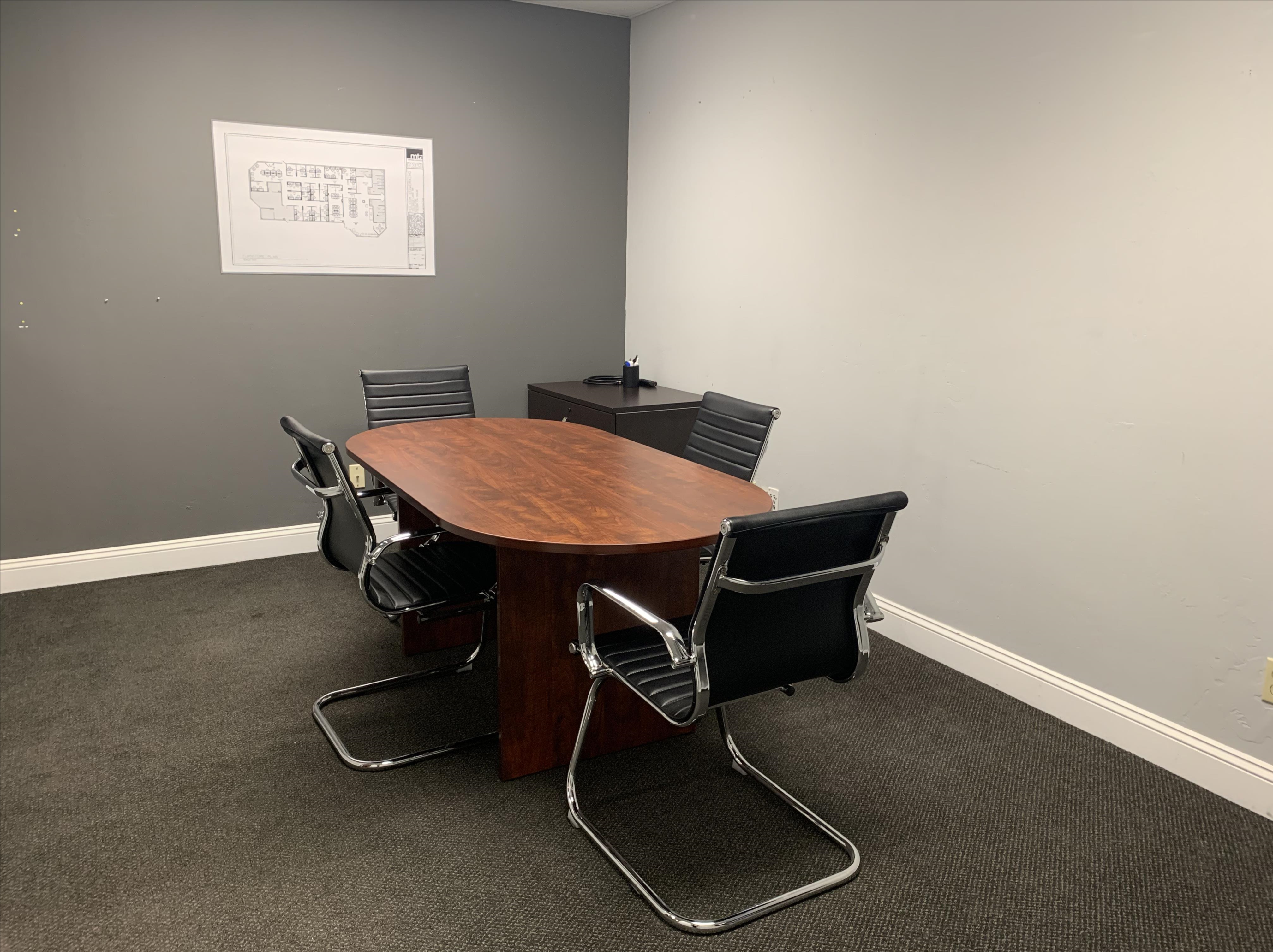 Granite City Coworking - Legacy Meeting Room