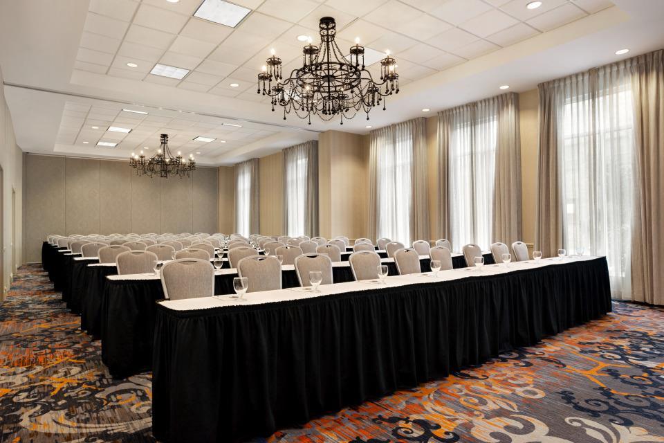 Hilton Garden Inn New Orleans Convention Center - Gardenia Room
