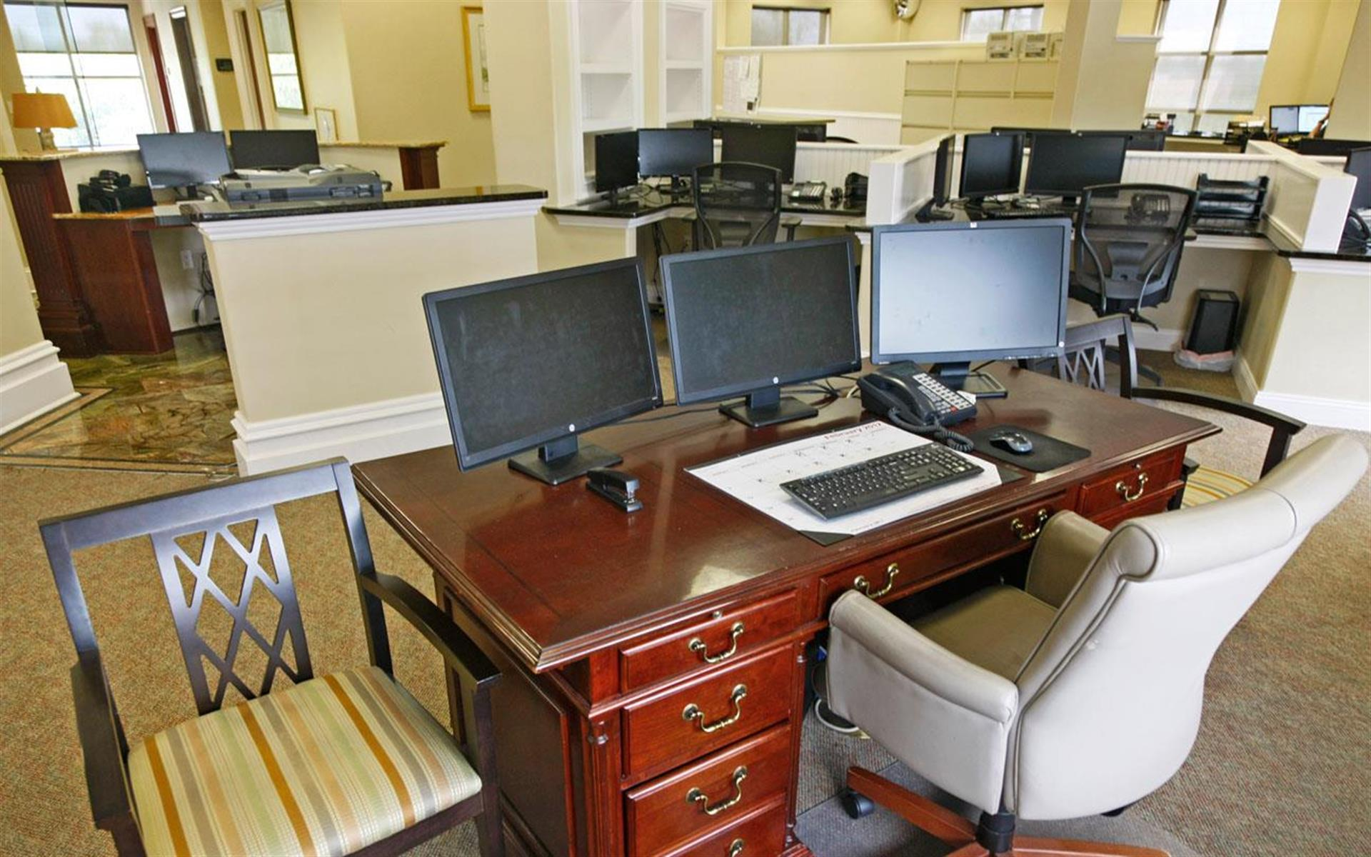 The Dixon Building - Desk with 3 monitors