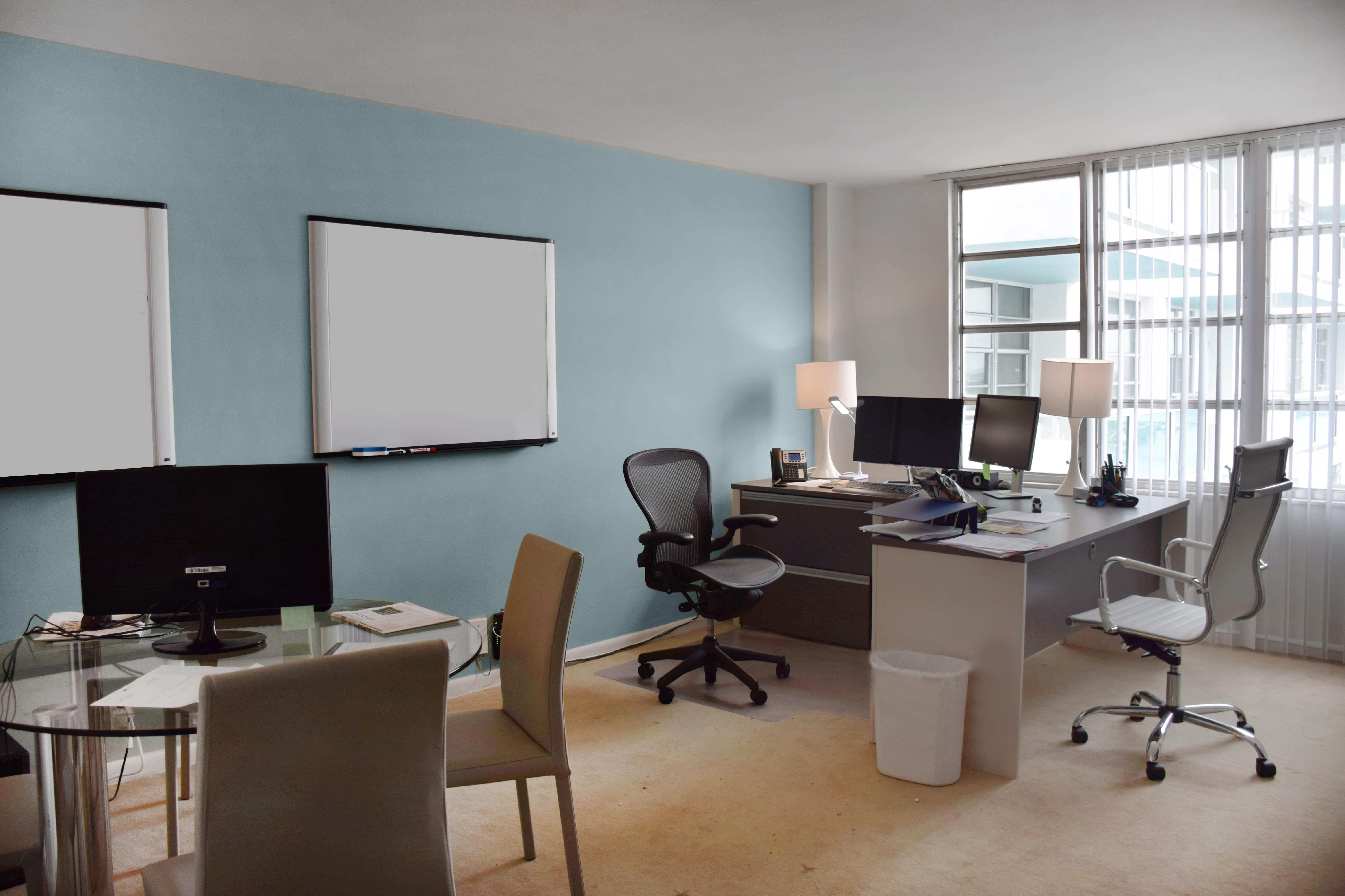 Seacoast suites - Office Suite 1