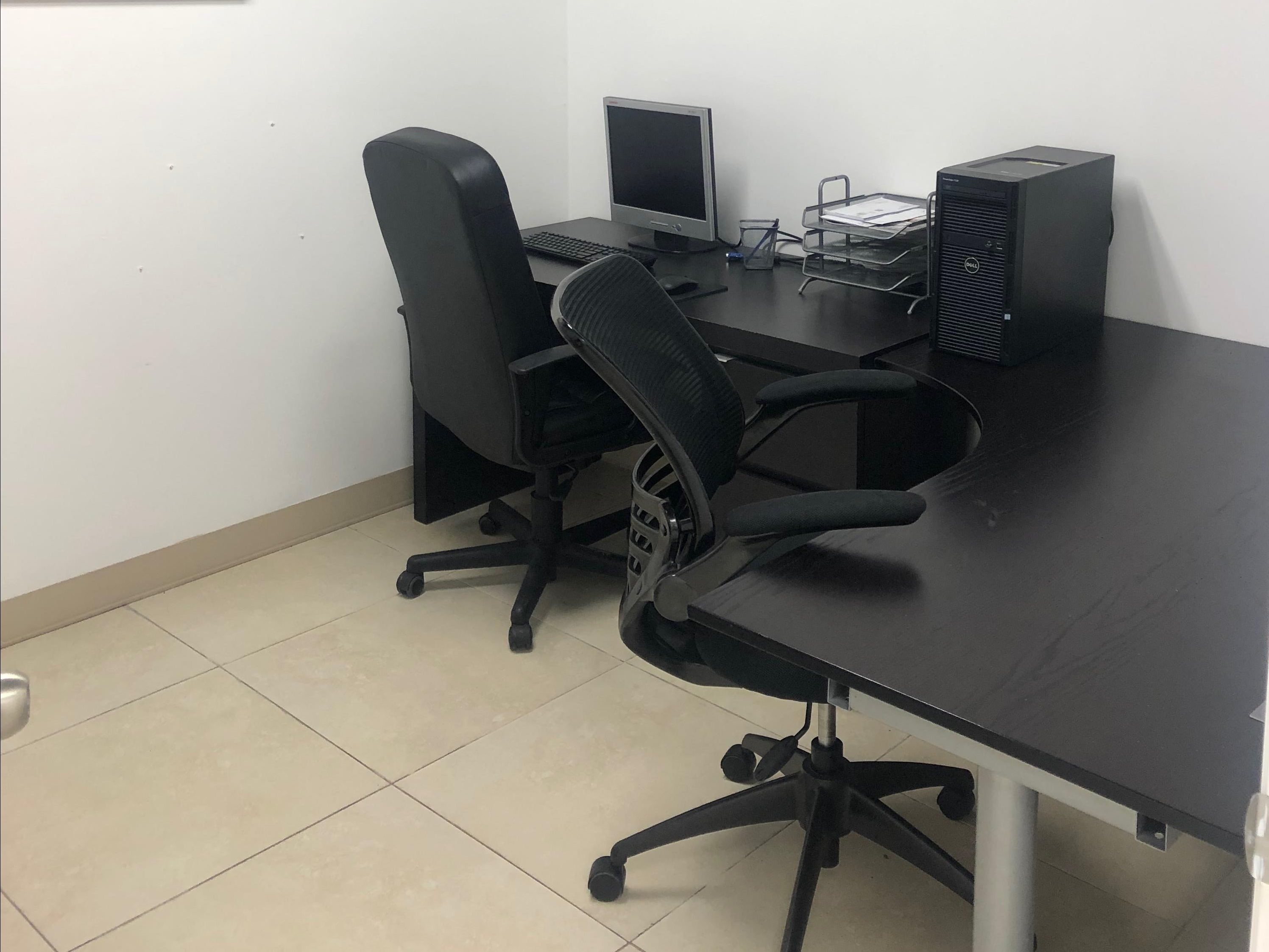 Cubicle for office Grey International Trading Center Private Office Arnolds Office Furniture Great Rates On Cubicles For Rent