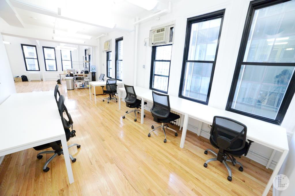 Amber Ventures: Bryant Park/ Midtown - Bryant Park Office/ BEST DEAL($400/desk)