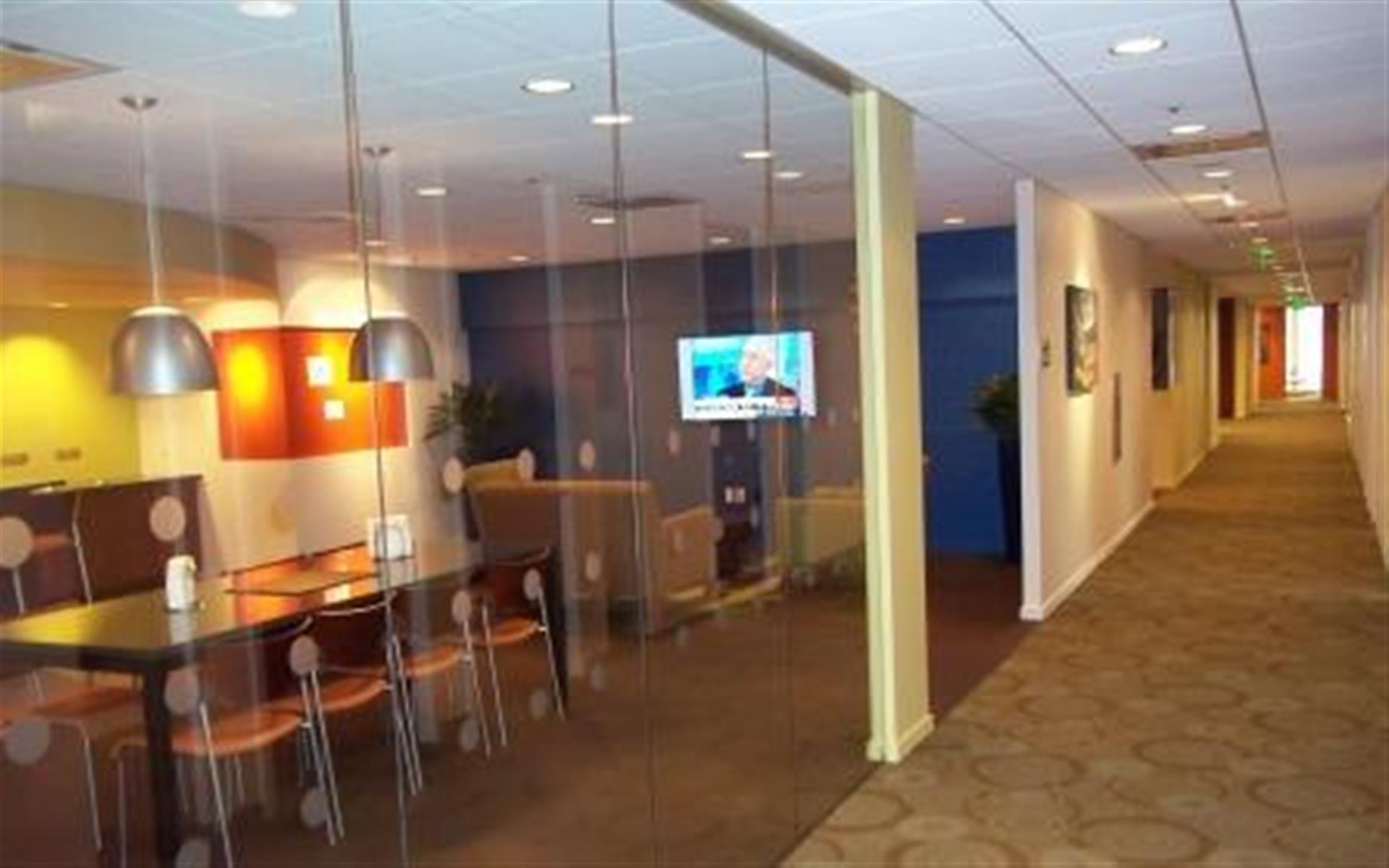 Carr Workplaces - Embarcadero Center - Monthly Team Office - Suite 1413