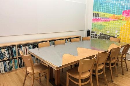 Soho studio - 4 Desks in Open-Plan SoHo office