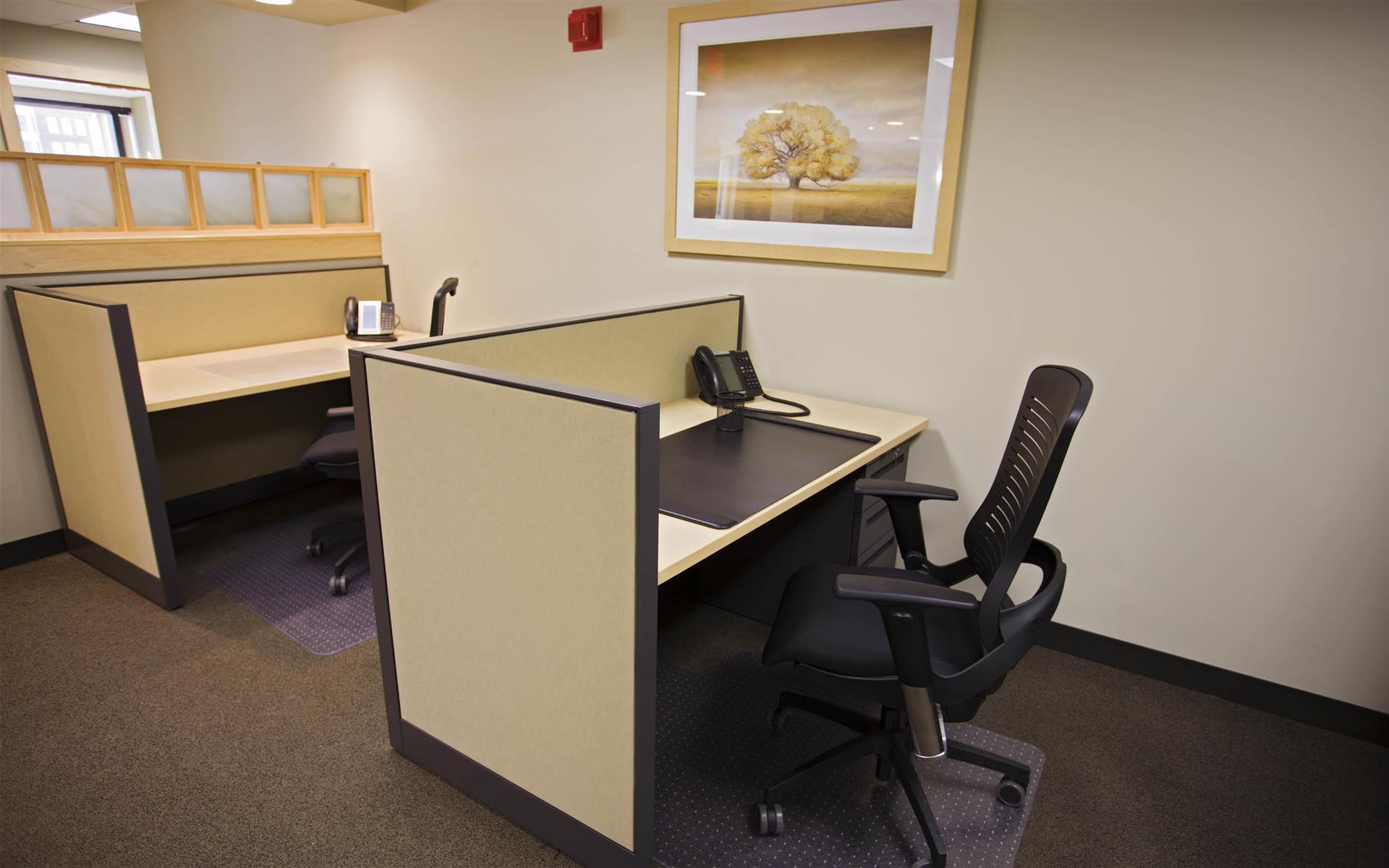 Intelligent Office - Columbus - Workstation Desk