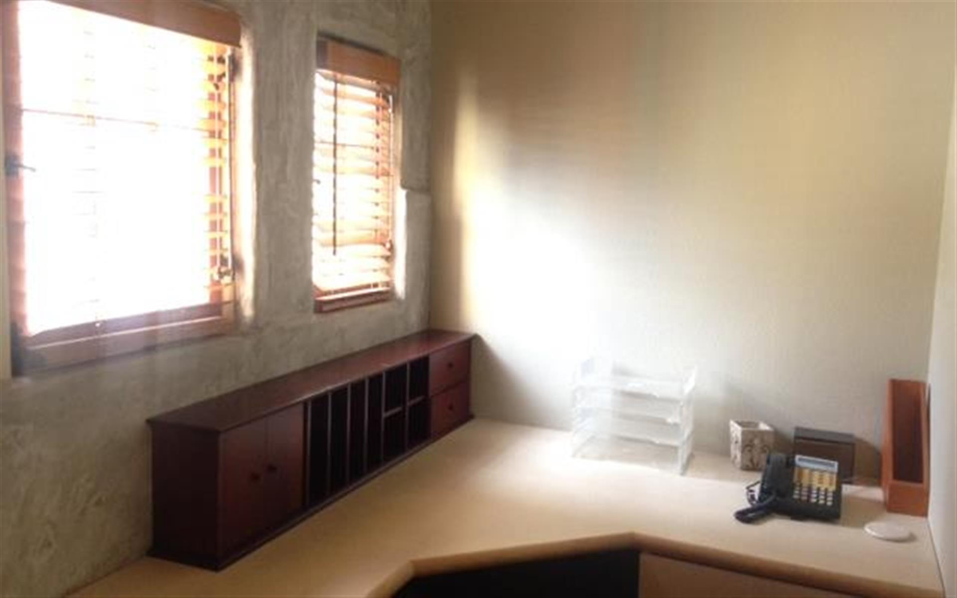 Coneybeare - small private office