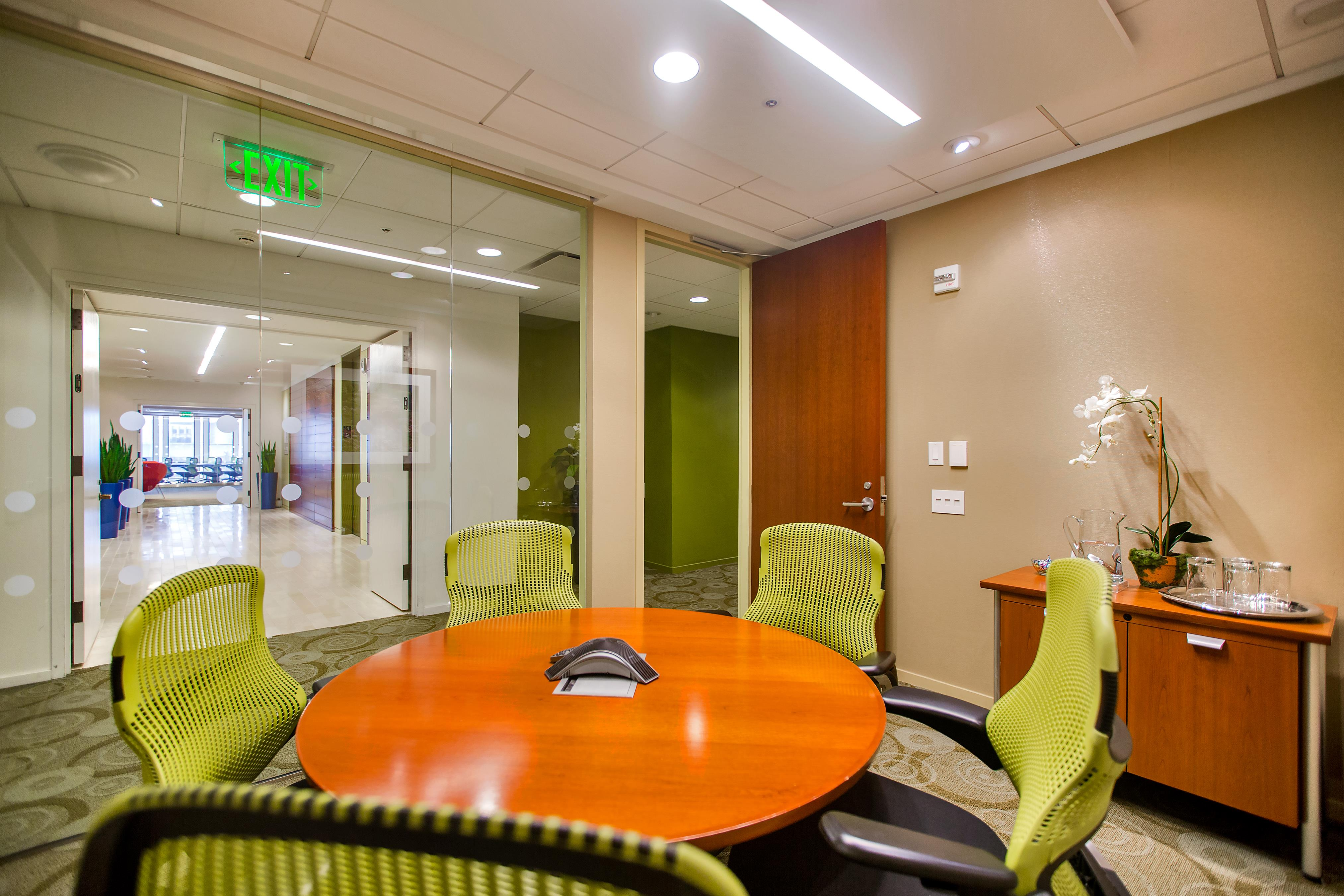 Carr Workplaces - Embarcadero Center - Lombard Conference Room