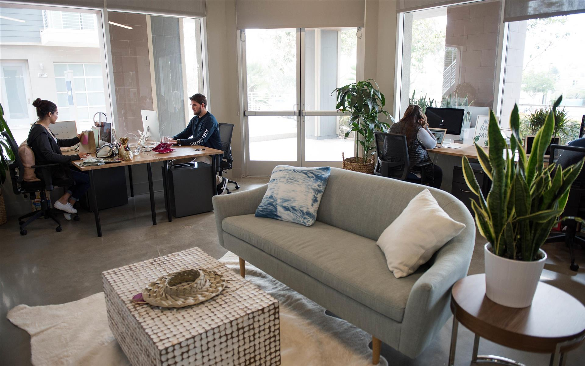Carlsbad - CommonGrounds Workspace - Anchor Space   8-10 person