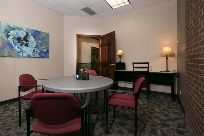 Shine Professional Suites - Suite 1 - Small Conference Room