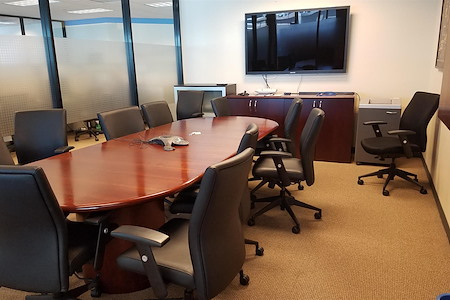 Office with a great view in the Financial District - Open Desk 1