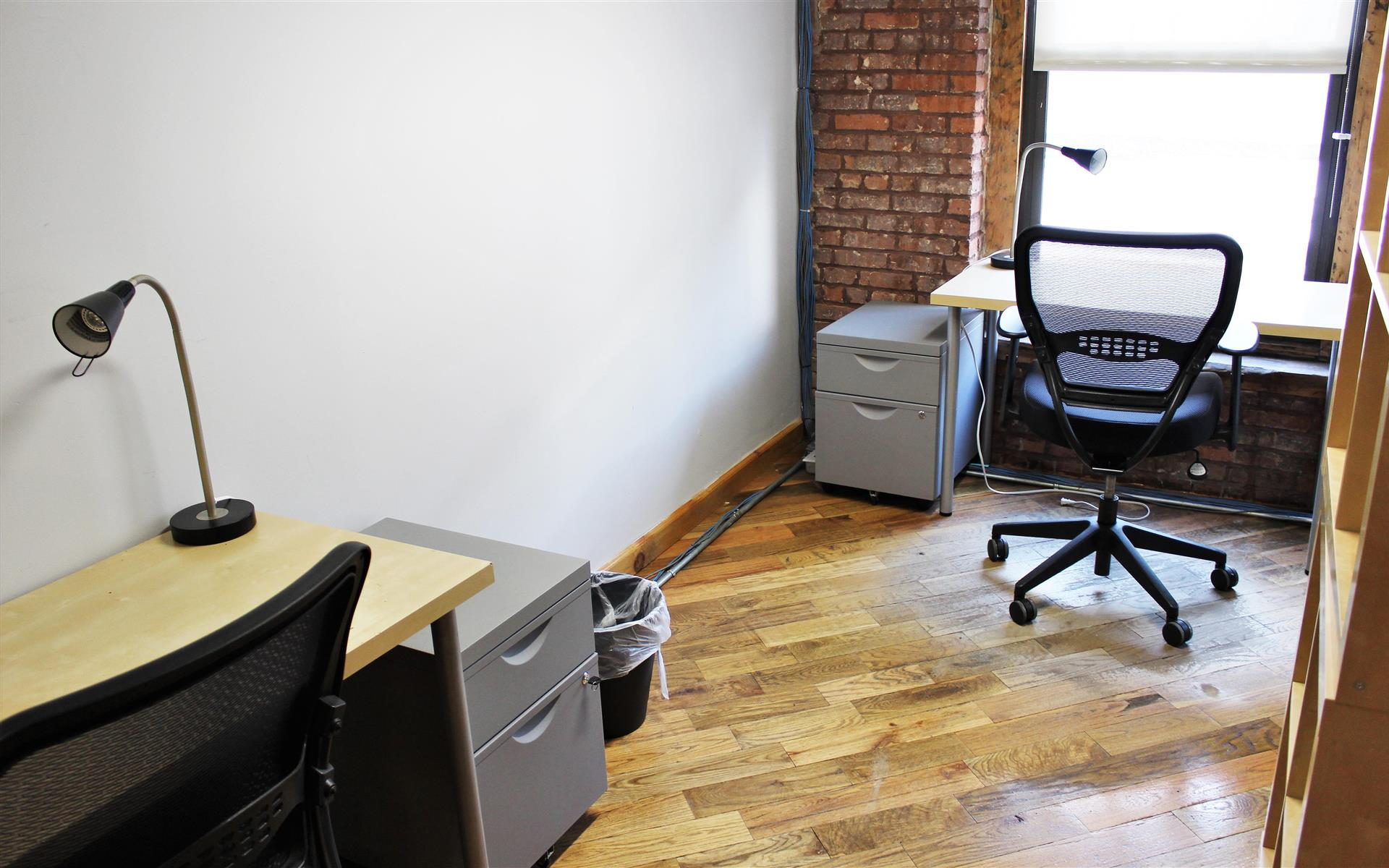 Green Desk - 195 Plymouth Street - 2 Person Rustic Office in DUMBO