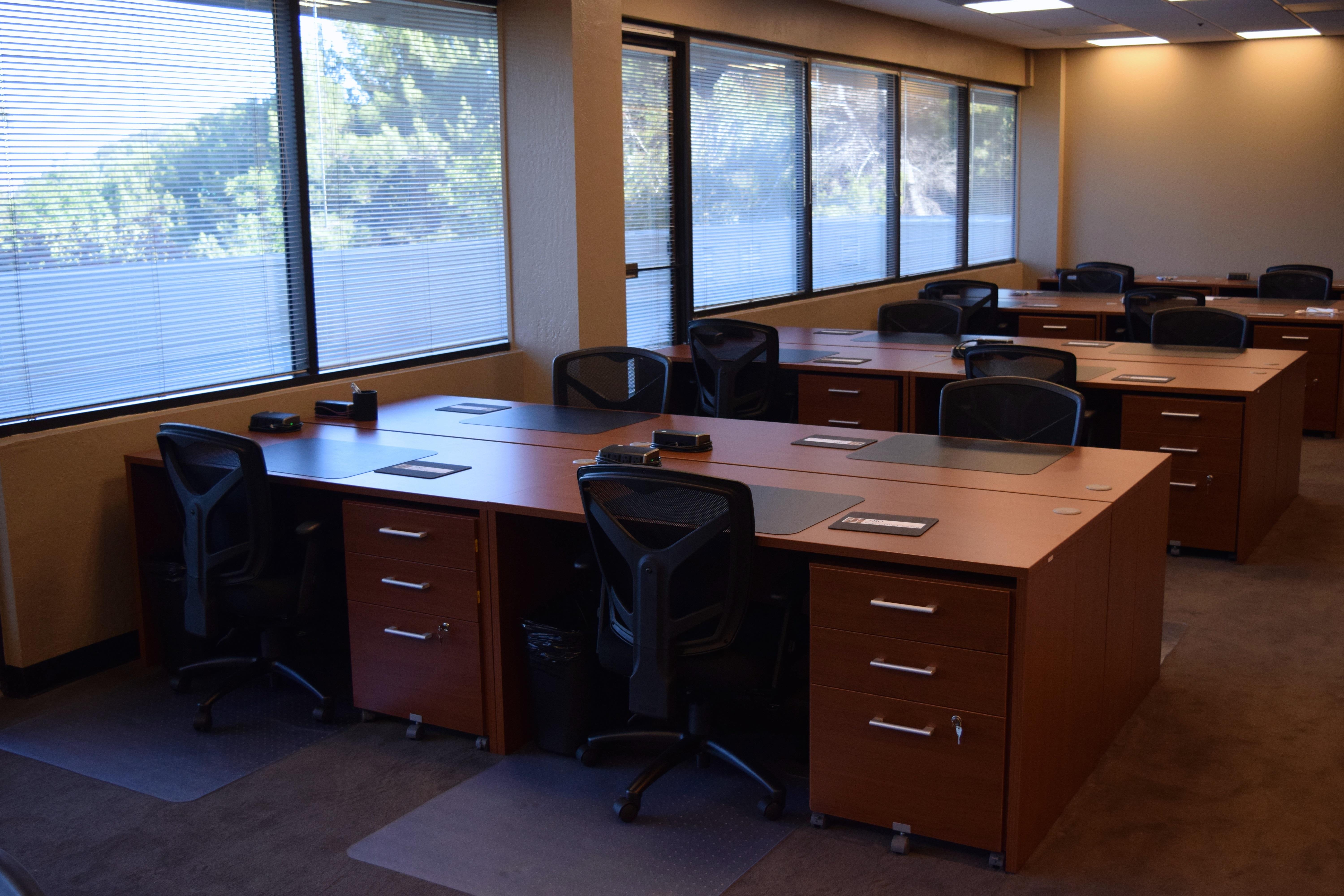 580 Executive Center - Day Pass Co-working Space