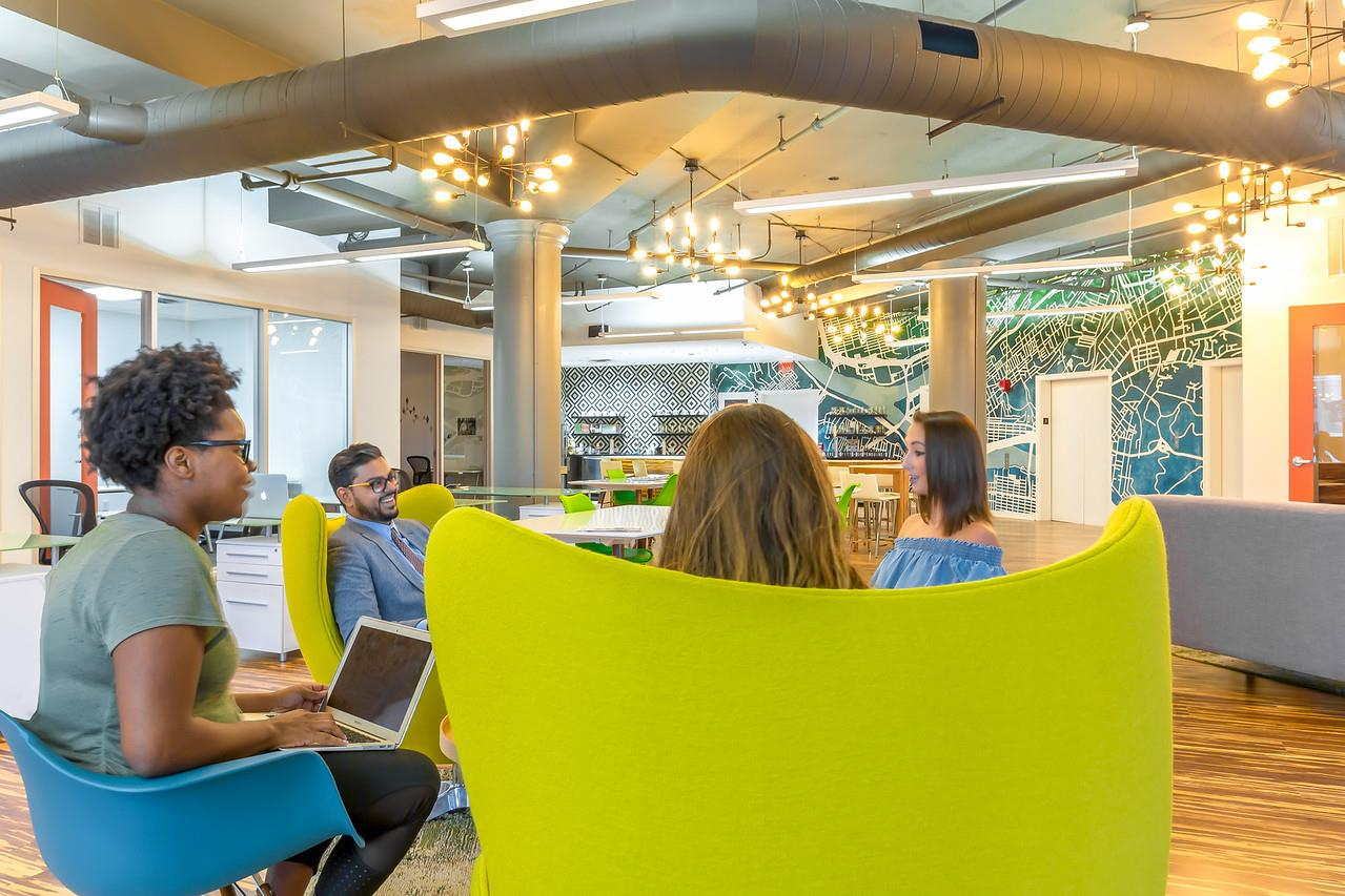 Novel Coworking Golden Triangle - Office 404