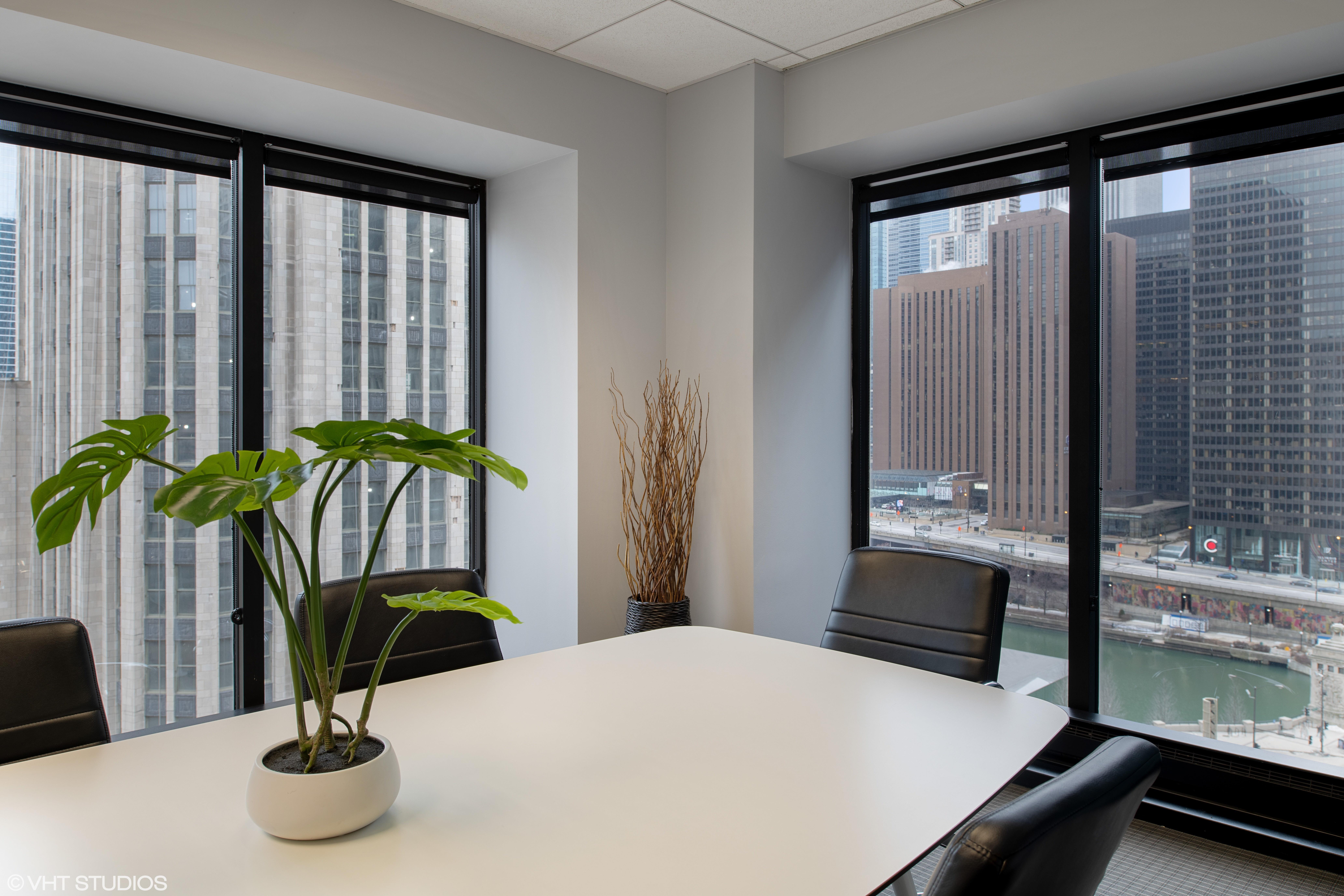 BeOffice | URBAN WORKSPACES - Monthly Corner Workspace
