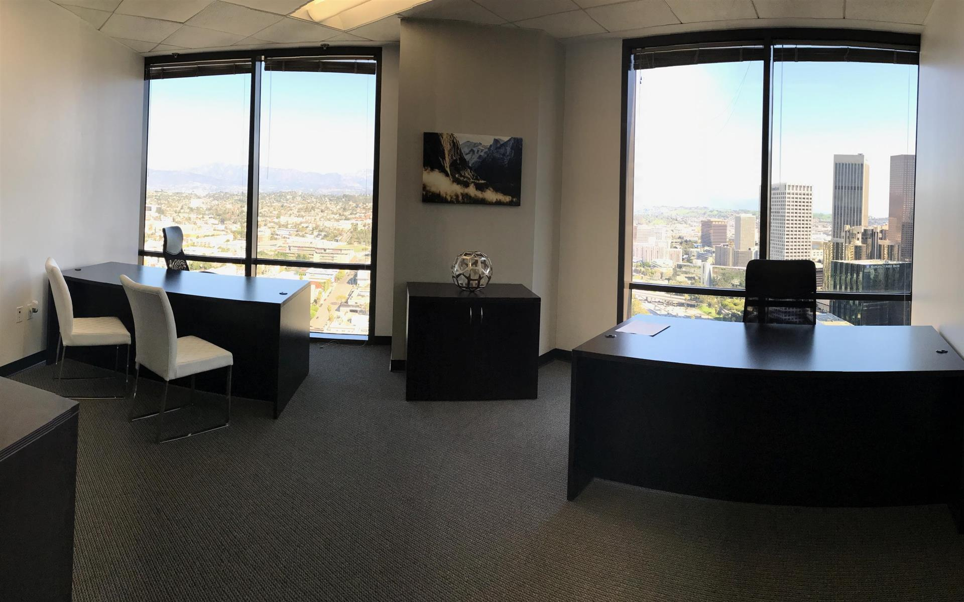 Titan Offices Penthouse - Team Office with Window View Suite 18
