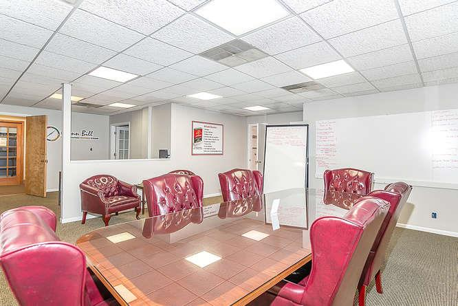 University of Attitude / Glenn Bill Group - Entire Office Space