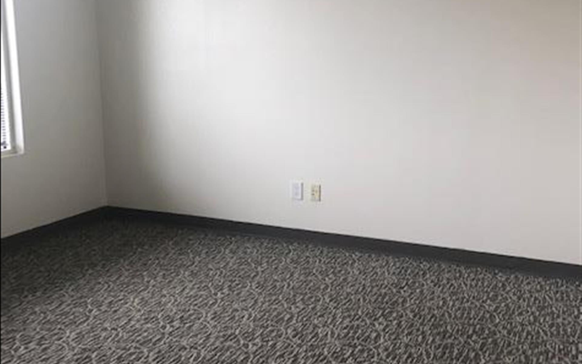 Storage Max Office Suites - Suite 127