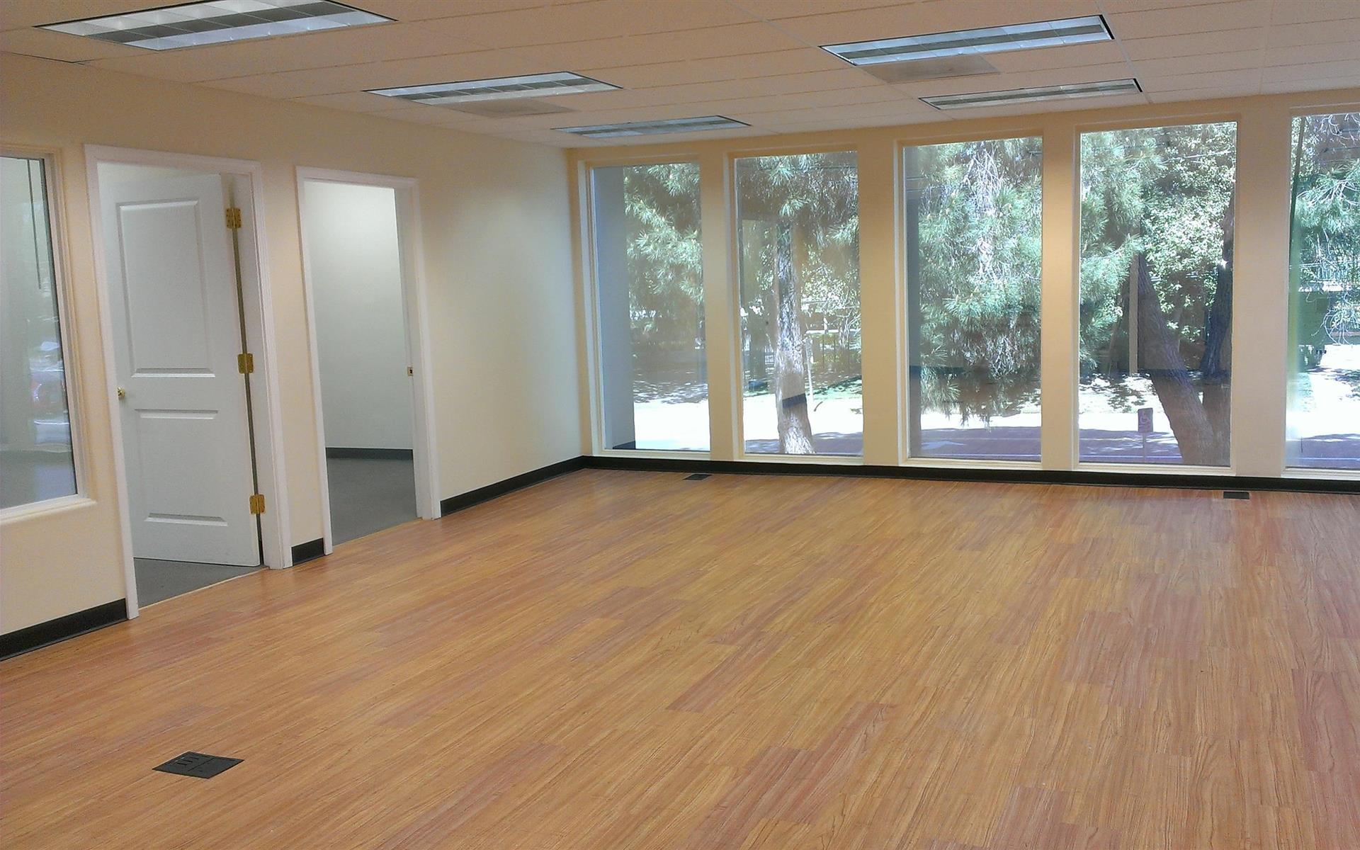 Watt Executive Suites - Penthouse Suite